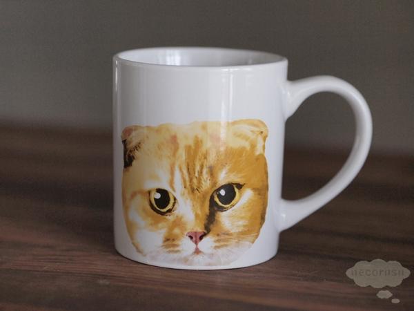 セリアの猫顔マグカップ
