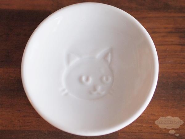 セリアの猫顔醤油皿