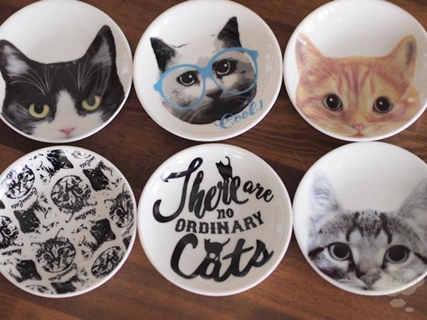 セリアの猫豆皿