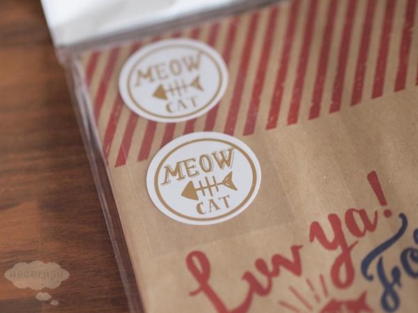 猫の紙袋ギフト用についているシール